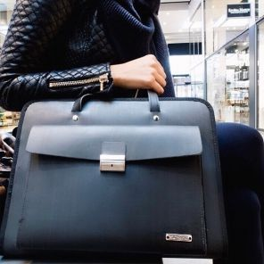 Kazmok Bag, The associatie bag is made of used converyor